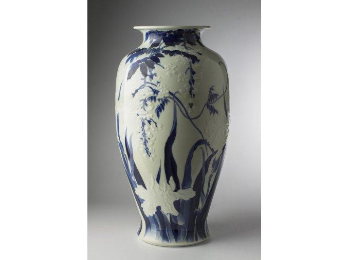 váza s motivem irisů a vistárie Hirado jaki, Japonsko kolem 1900