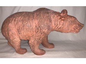 plastika medvěd