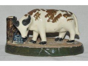 keramická plastika - kráva u napajedla