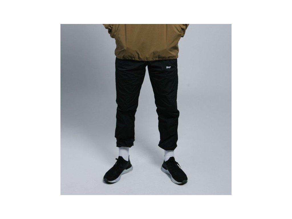 Black kalhoty