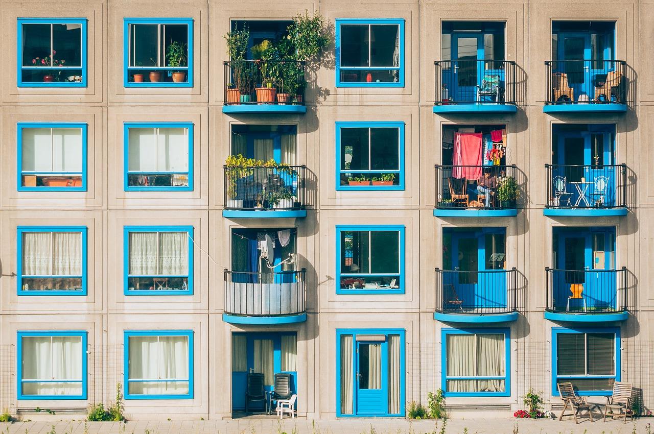 Nábytok na balkón: Tieto kúsky vám nesmú chýbať!