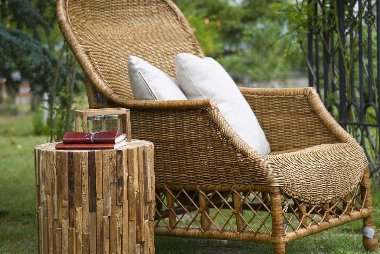 Nábytok z umelého ratanu: Ako mu predĺžite životnosť?