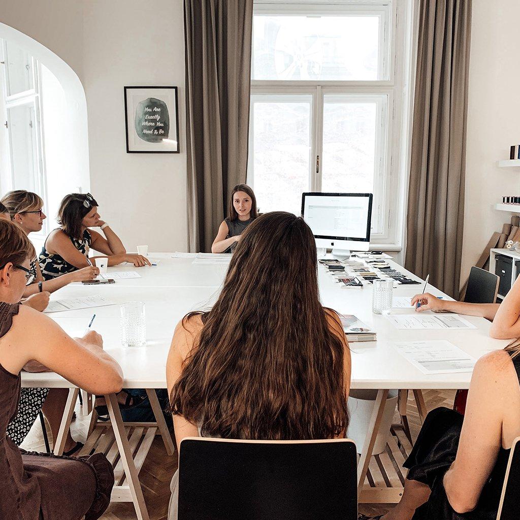 online prednaska textilni materialy rebelion atelier