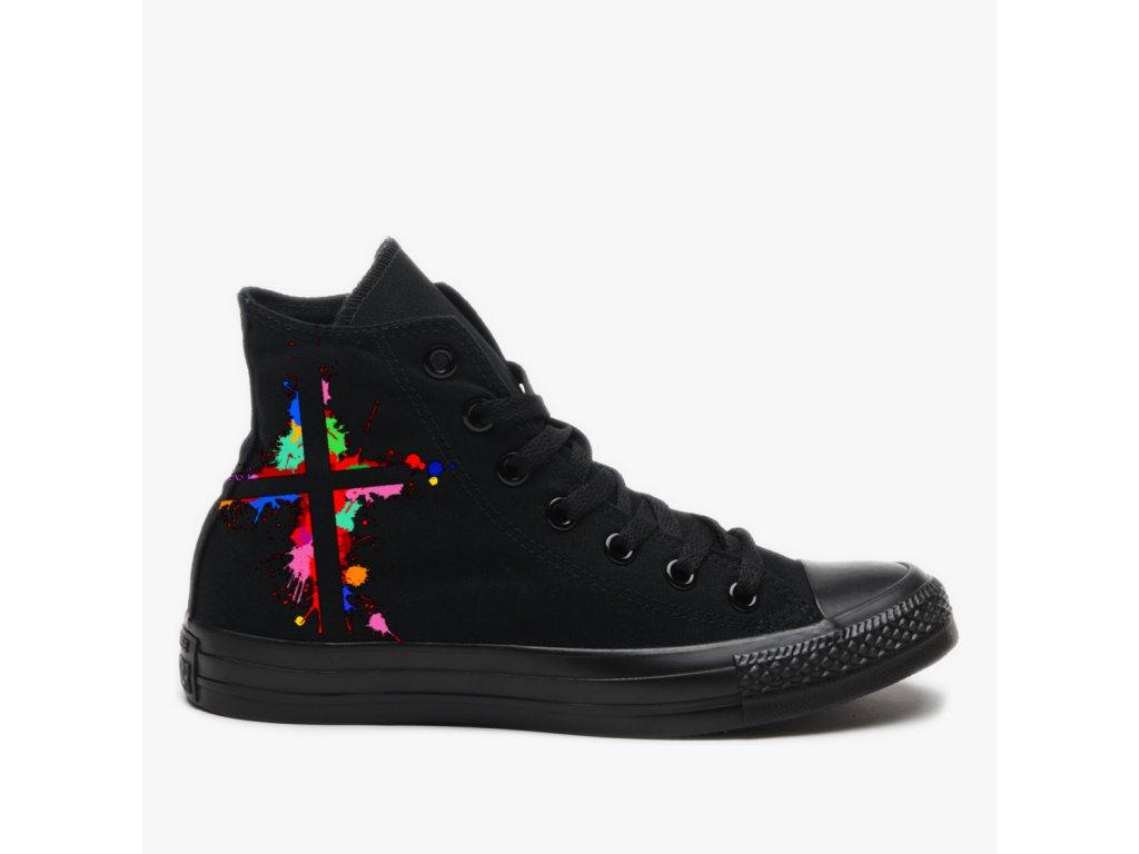 barevný kříž, boty, M