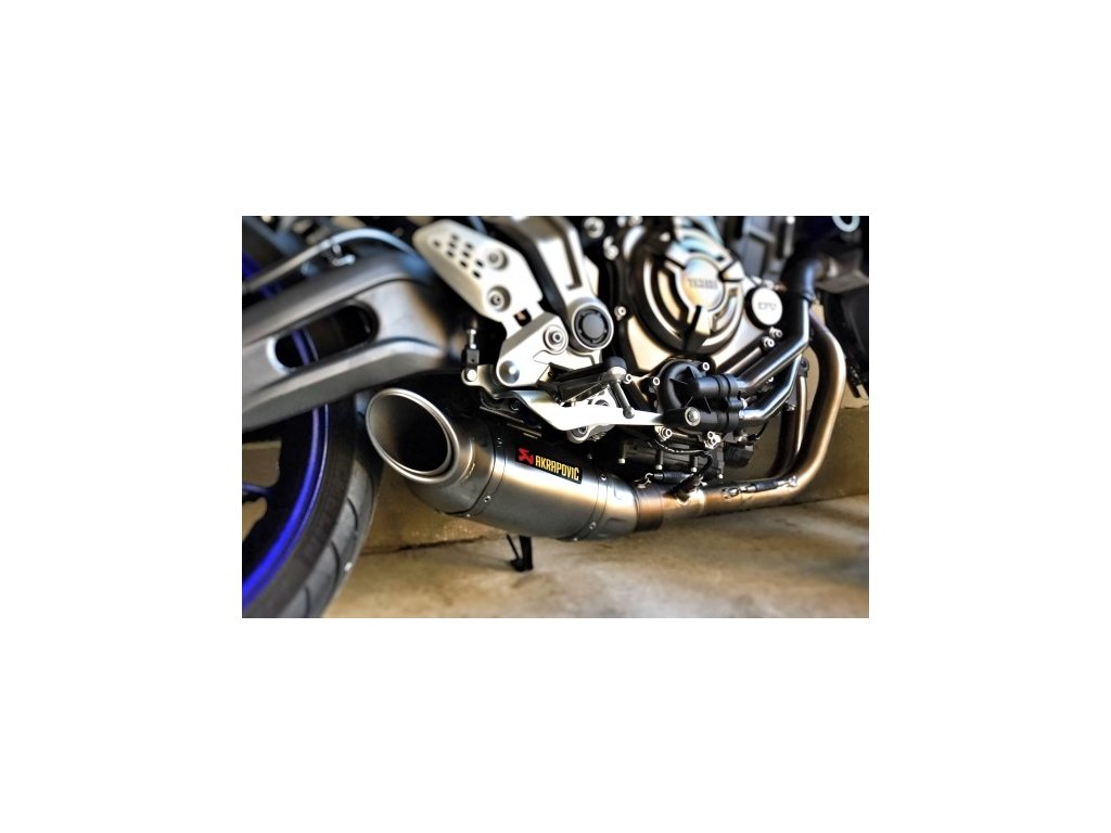 Výfuk Akrapovič TITAN / S-Y7R1-HAFT / Yamaha MT-07 (14-20)