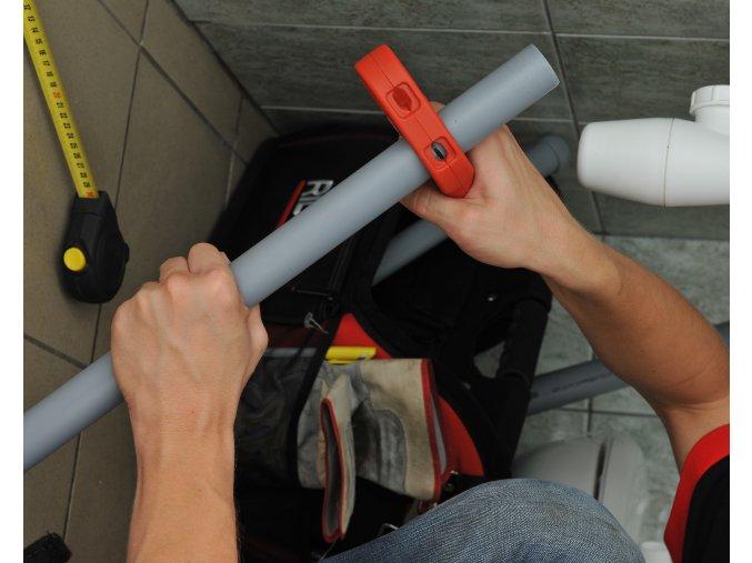 Řezák plastových odpadových trubek  P-TEC
