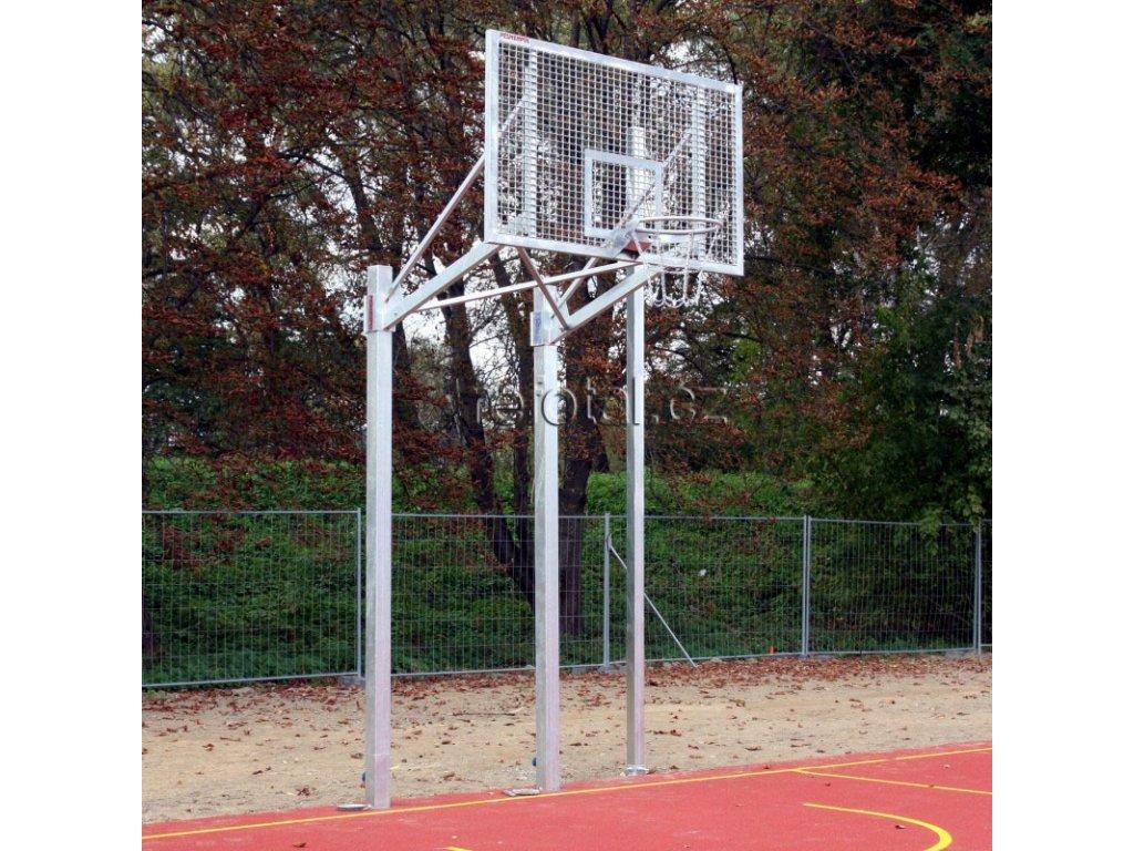 refotal basket konstrukce dvousloupová 105x180 cm instalace v tuleji foto 2