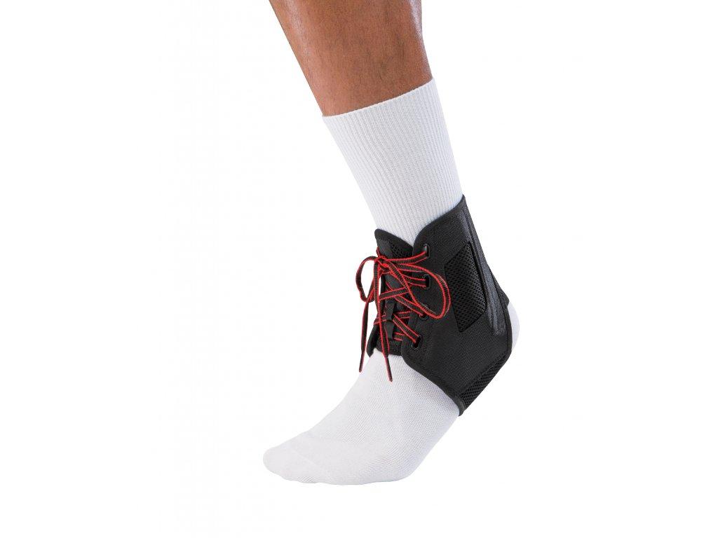 42370 Ortéza s bílou ponožkou