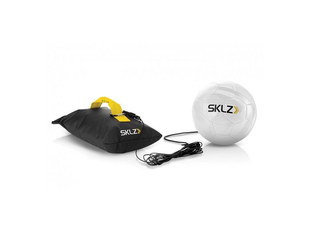 SKLZ Kick Back, futbalová lopta na gume