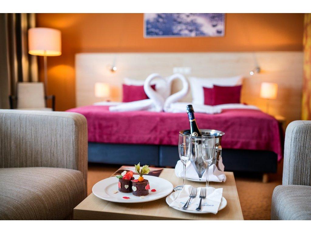 Ubytování v Aquapalace Hotel - Dvoulůžkový Superior (Ubytování Dvoulůžkový Superior vč. 2-hodinového vstupu do Aquaparku)