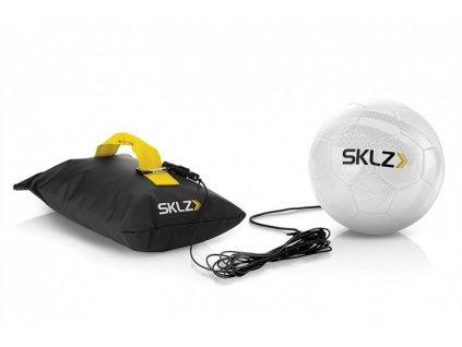 SKLZ Kick Back, futbalová lopta na gume so základňou, veľkosť 4