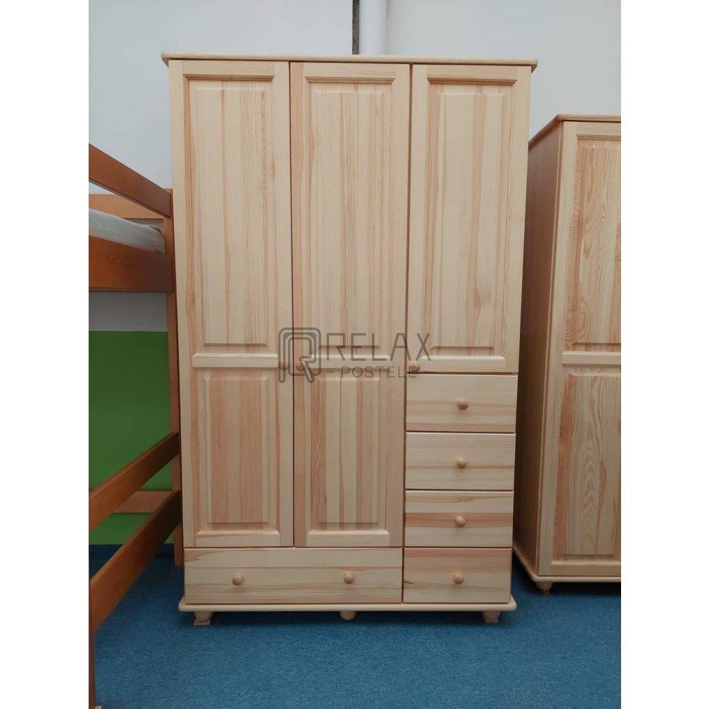 Šatní skříň 10 - masiv borovice