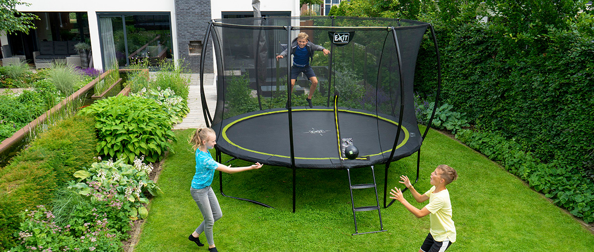 fun-games-to-play-on-your-trampoline