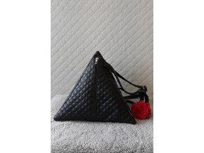 Trianglový ruksak