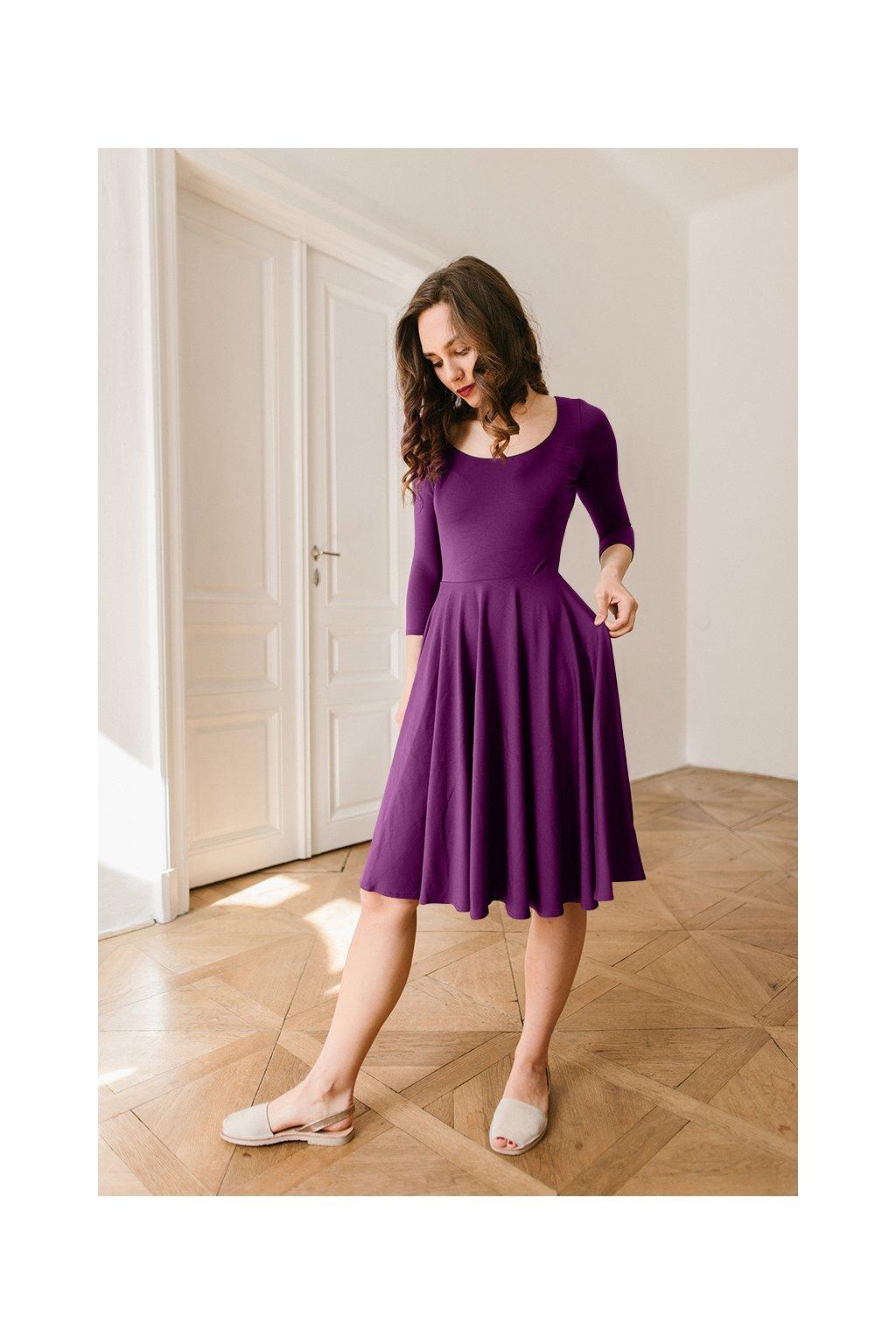 Šaty Osudová Marta s 3/4 rukávem, vyšší gramáž, švestkově fialová