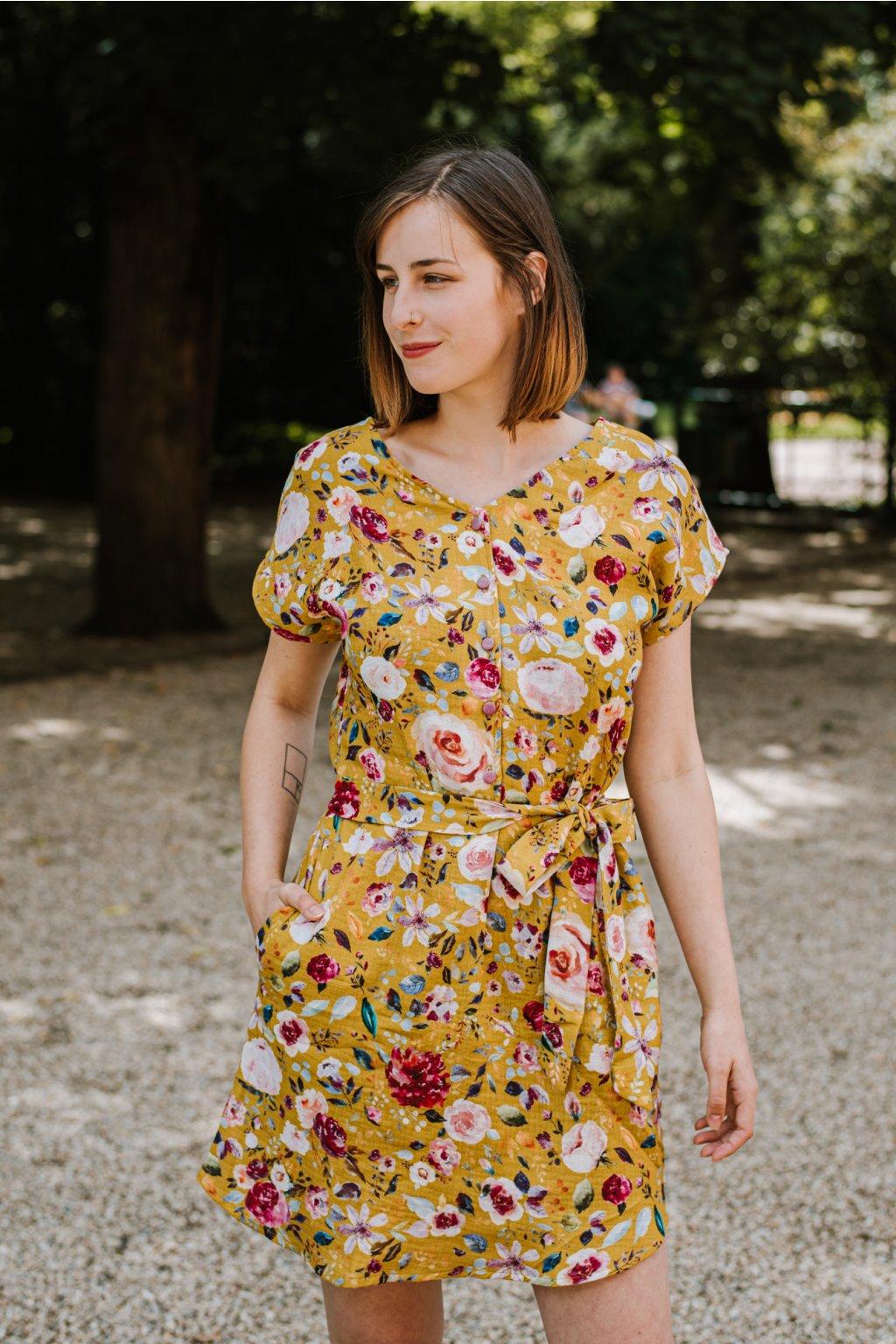 Šaty Greta z květovaného mušelínu hořčicového