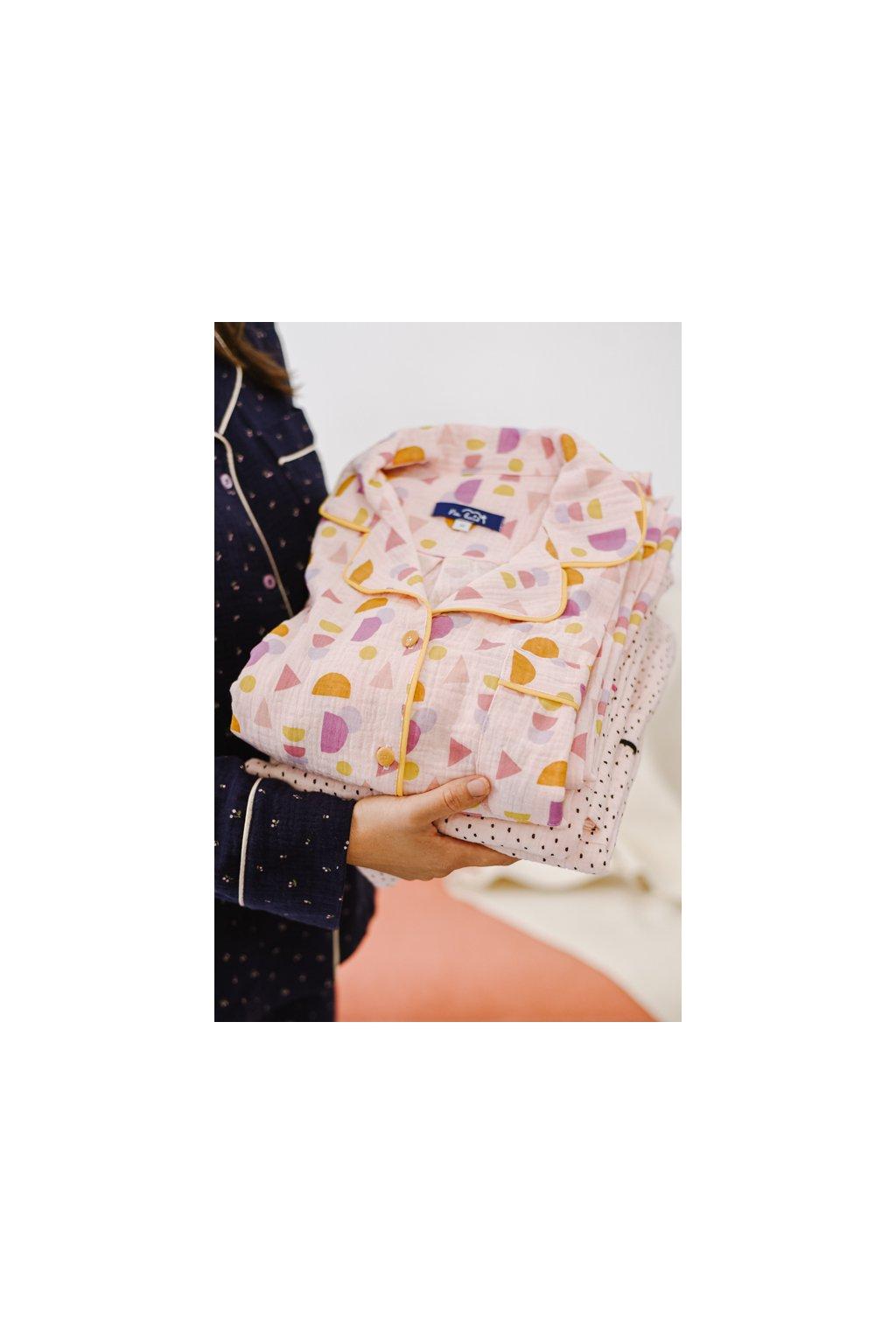 Na kutě klasické pyžamo mušelínové pois7 geometri2