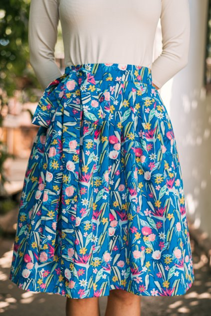 Reparada modra malovana kvitka zavinovaci sukne1