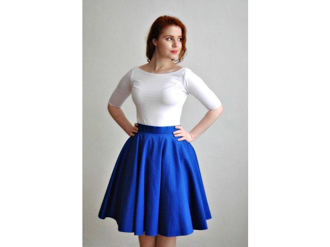 Modrá kolová sukně