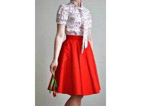 Červená kolová sukně