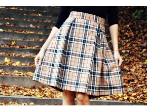 Teplá sukně s kapsami a podšívkou