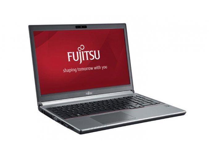 Fujitsu LifeBook E754 1