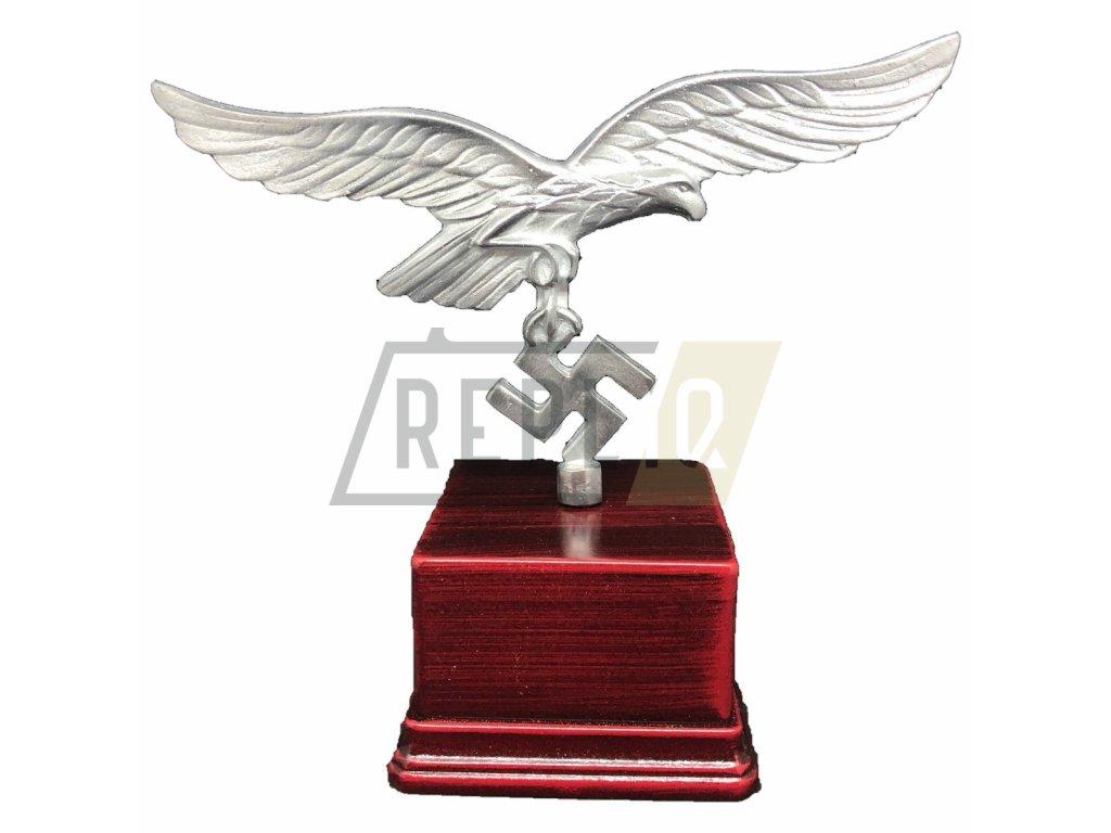 poletop eagle with swastika (3)