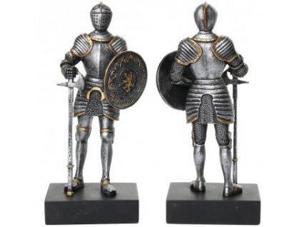 Soška rytíře s kruhovým štítem a mordýřskou sekerou