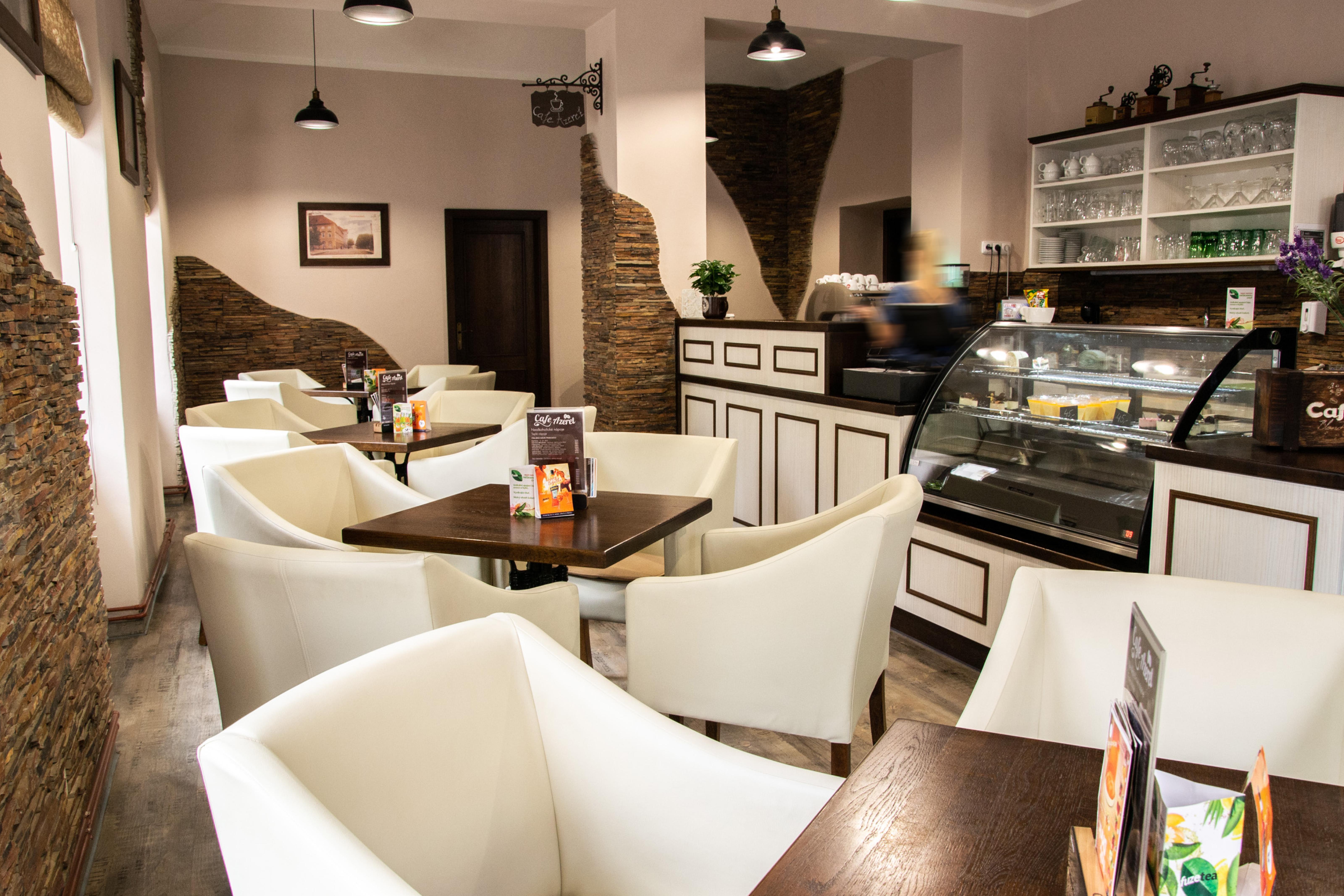 Dopřejte svým zákazníkům pohodlí při jídle či šálku kávy, zdrží se u vás déle