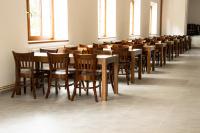 Stohovatelné celodřevěné židle do kulturního domu   Ressed