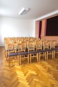 Vybavení kulturního domu Medlovice   Ressed