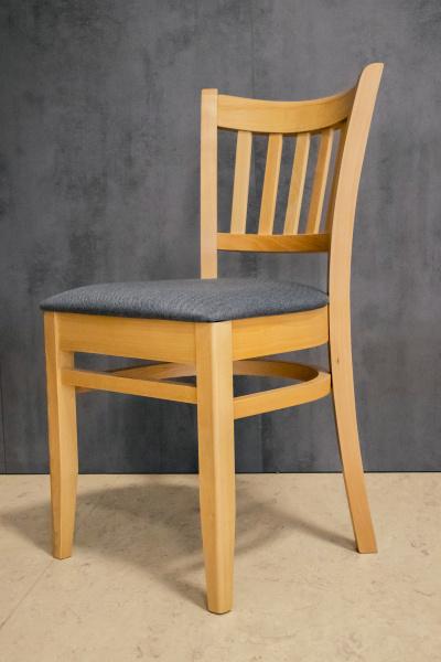 Odolná masivní židle z bukového dřeva do kulturáků | Ressed