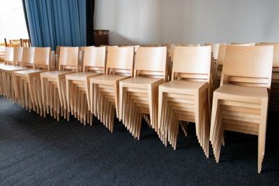 Úspora prostorů s celodřevěnými židlemi | Ressed
