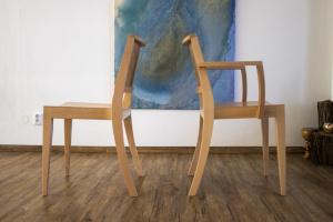 Celodřevěné moderní židle do obecních domů | Ressed