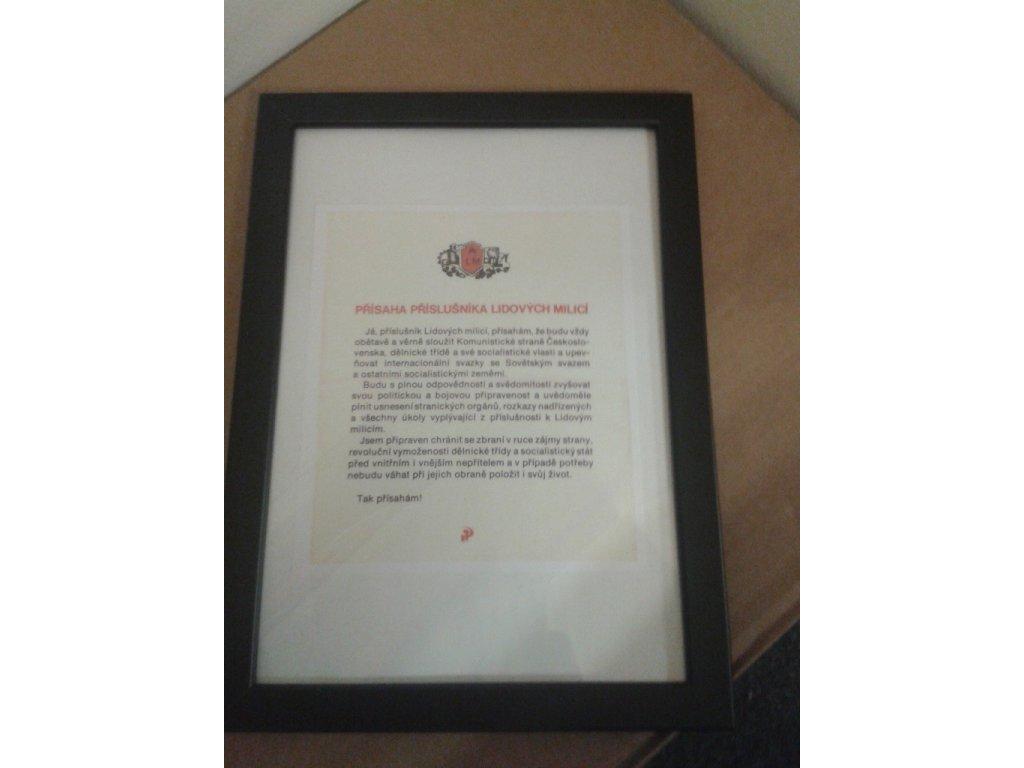 Přísaha příslušníka Lidových milicí jako retro dárek