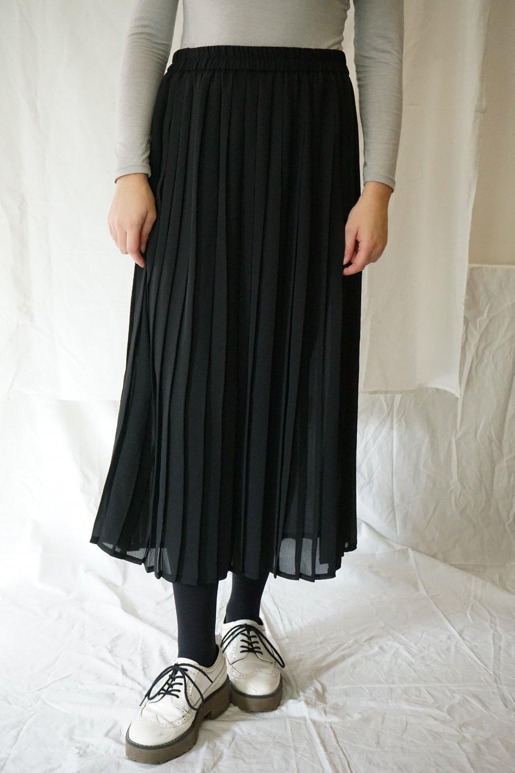 Černá plisovaná sukně XXL