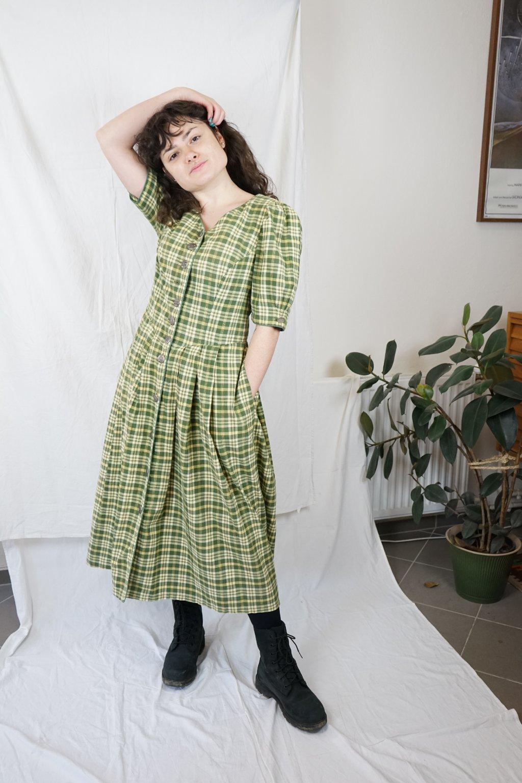 Zelené trachtové šaty vel. M/L
