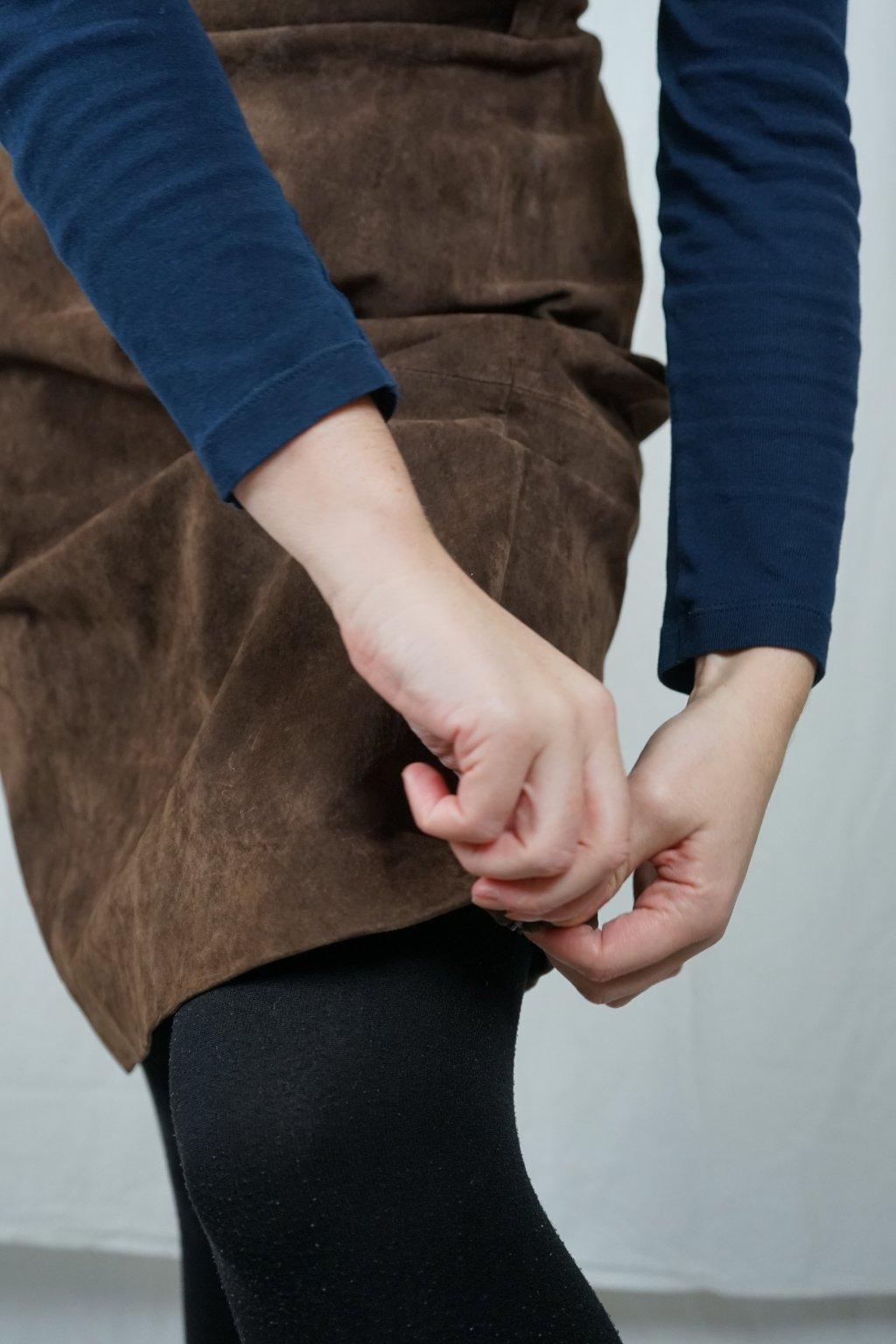 Hnědá kožená sukně vel. XL