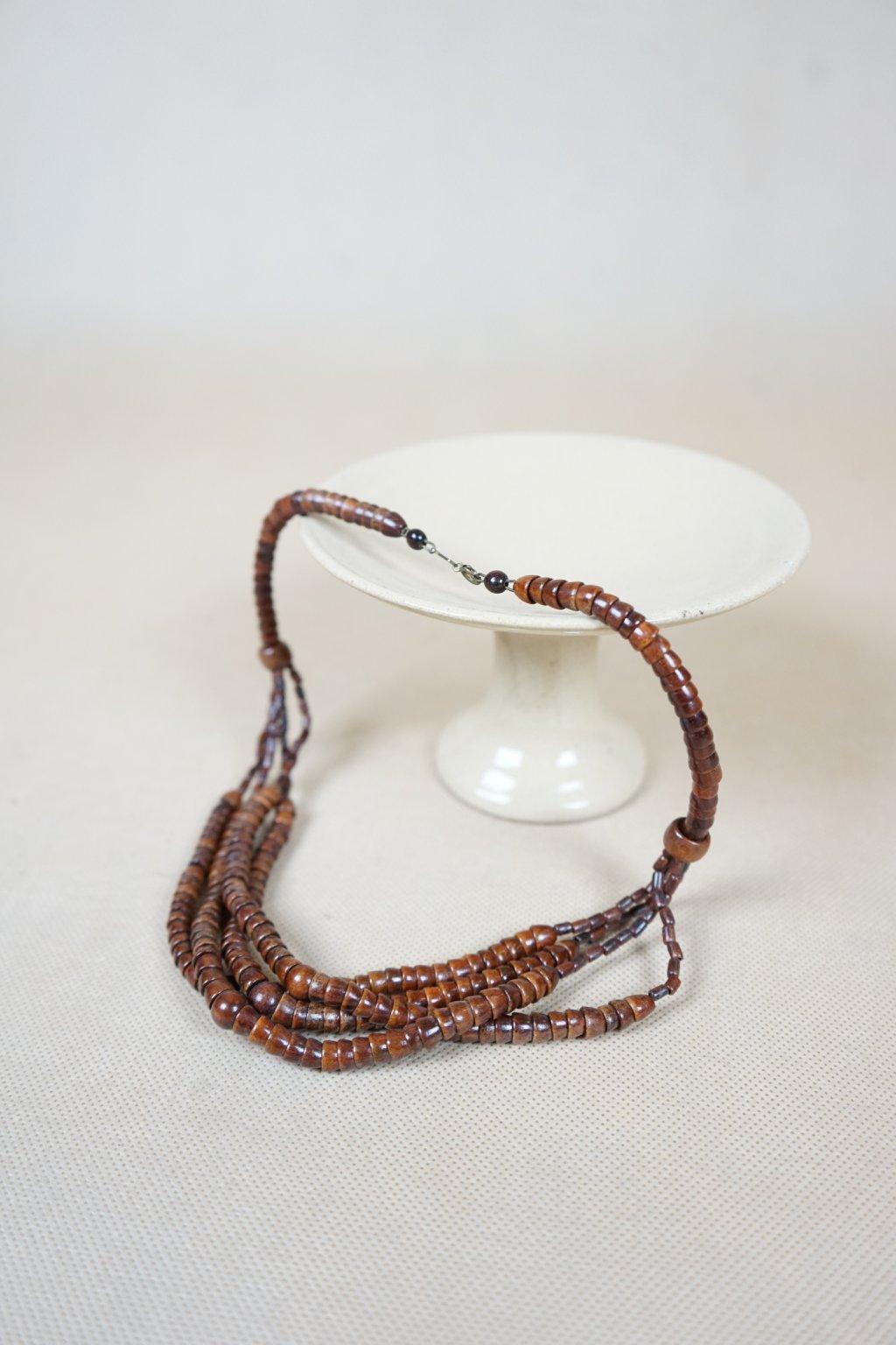 Dřevěný náhrdelník