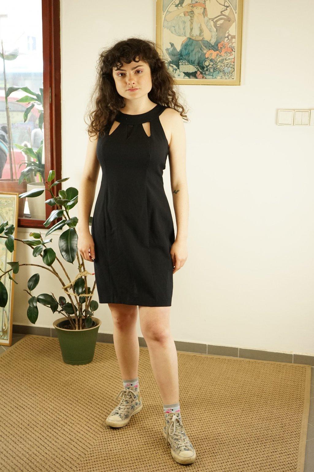 Černé šaty vel. S