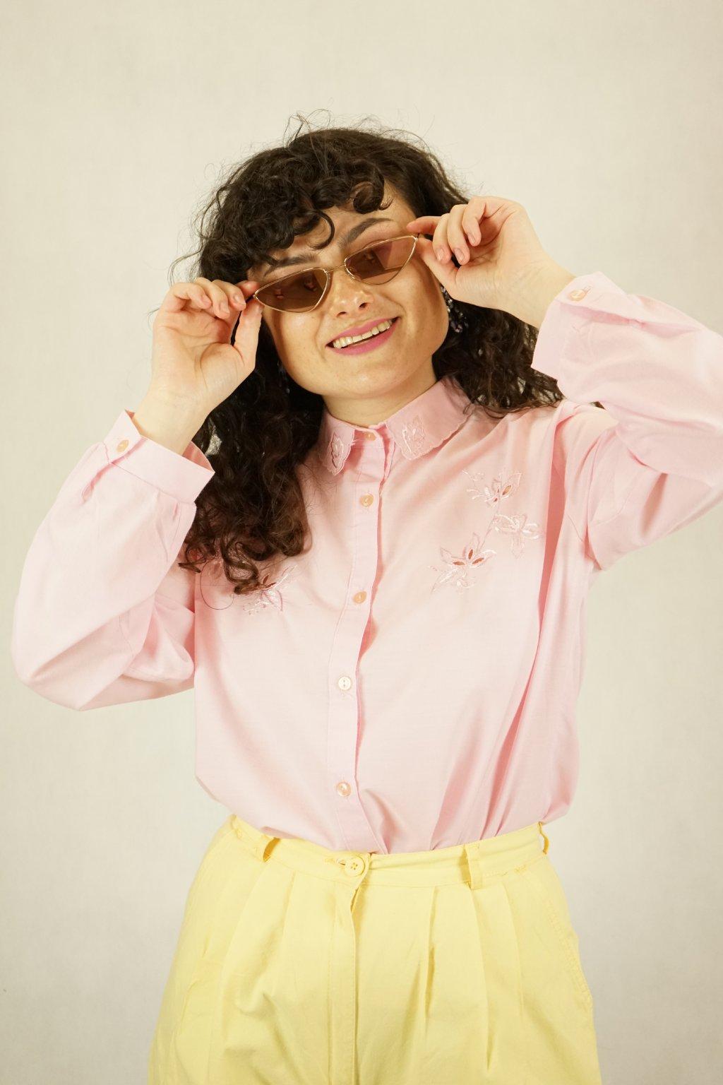 Růžová vyšívaná košile vel. L