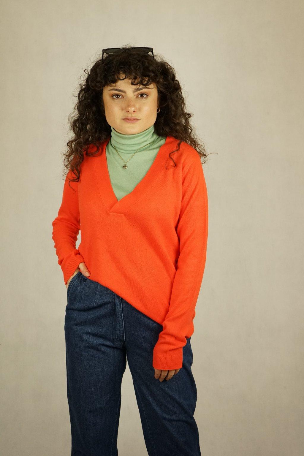 Oranžový svetr vel. M