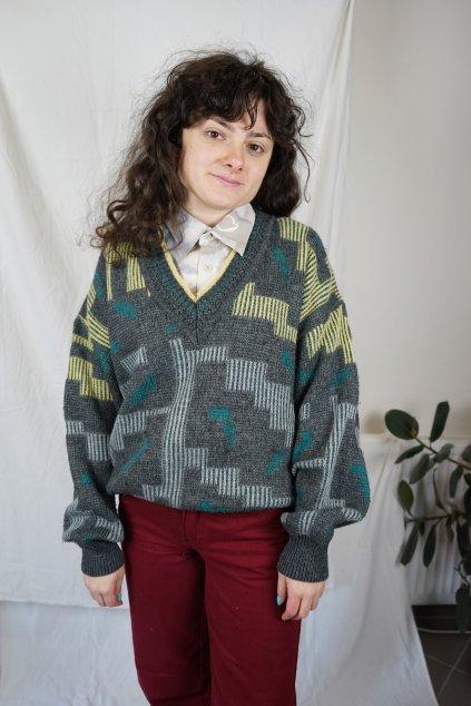 Vzorovaný vlněný svetr vel. XL