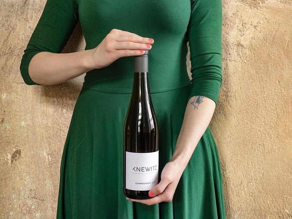 Knewitz Bile vino Chardonnay IMG 2495 v2 1024px