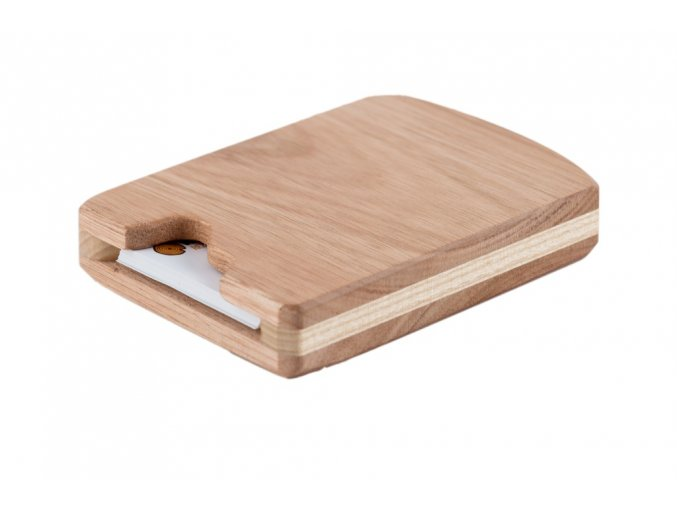 Cestovní dřevěný vizitkář