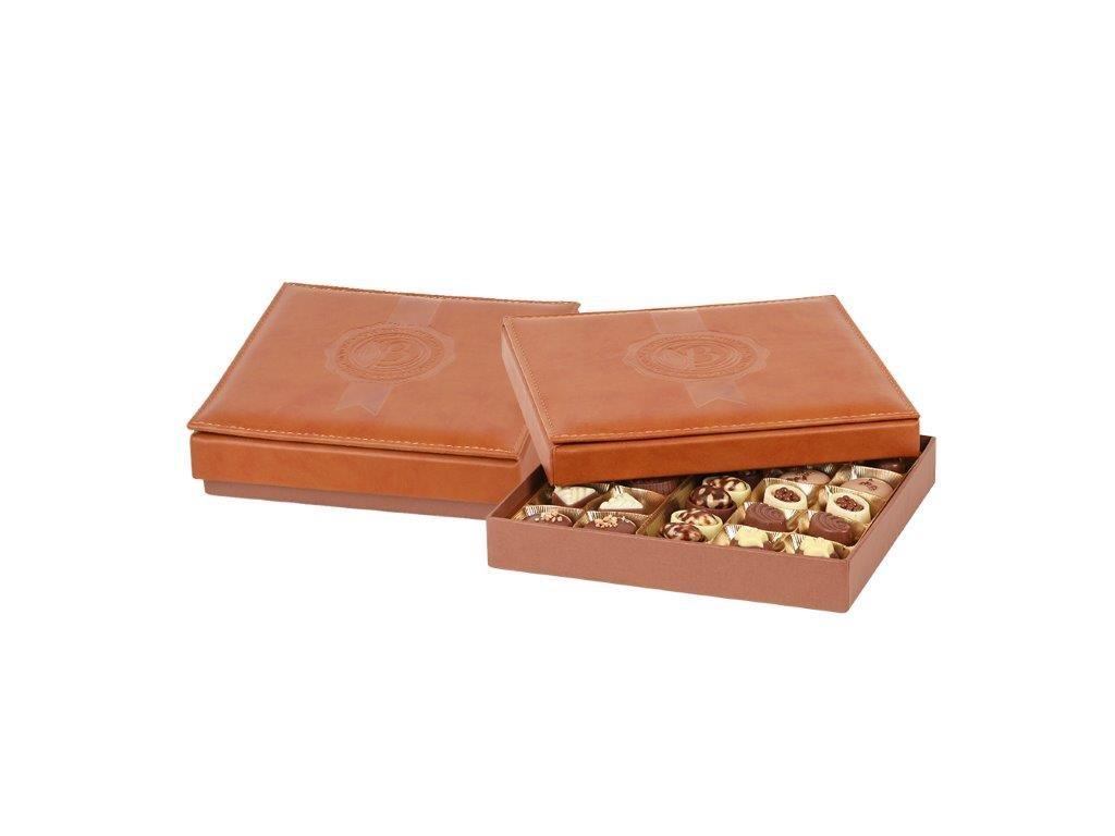 Bolci Výběr pralinek v kožené bonboniéře 330g