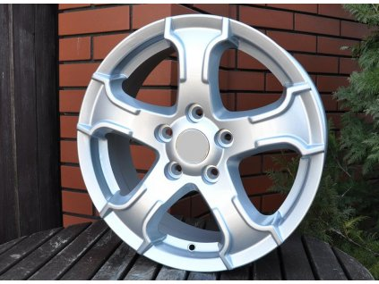 Alu kola design Suzuki 16x6.5 5x114.3 ET45 60.1 stříbrné
