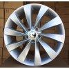 Alu kola design Volkswagen 18x8 5x112 ET42 57.1 stříbrné