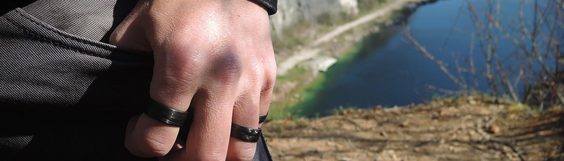 Černý karbonový prsten Ringblack pro muže | Black carbon ring for men
