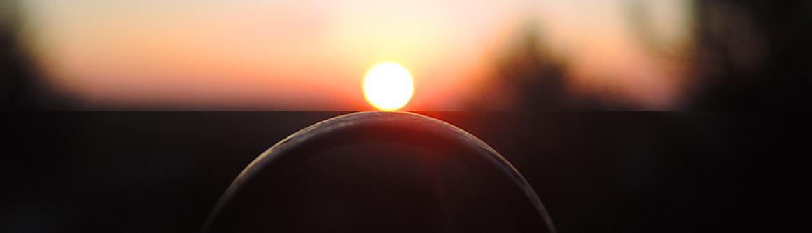 Východ slunce černý karbonový prsten | Sunrise above black carbon ring